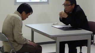 妻子を殺した容疑を掛けられた男とベテラン刑事との、狭い取調室の中で...