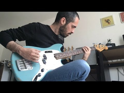 Unboxing & Test - FENDER JMJ MUSTANG BASS