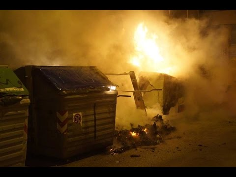 Feuer in Arenal - Brennende Mülltonnen