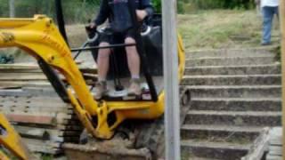 MINI DIGGER CLIMBING GARDEN STEPS