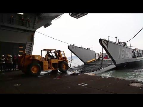 LCU Recovery on USS Bonhomme Richard
