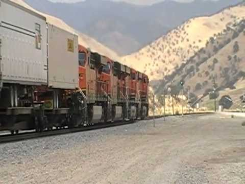 Laying On The Horn! BNSF GEVO! Engineer Blows K5HL 20 Times In Caliente, CA