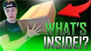 WHAT'S INSIDE THIS GIANT BOX !?