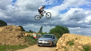 Jumping over a car on my mountain bike... Video