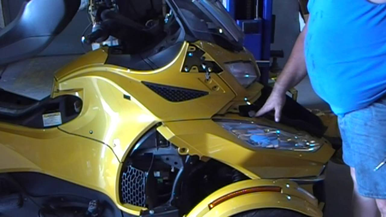 2014 can am spyder side panels removal