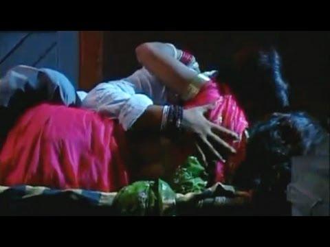 Khatiya Ke Chur - Hot Bhojpuri Video Song - Nathuniyan Wali Gori