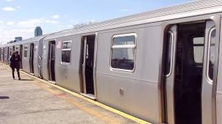 Astoria - Ditmars Boulevard-bound Q train at Broadway