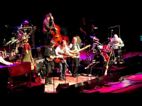 Levon Helm and Steve Earle - Sweet Virginia
