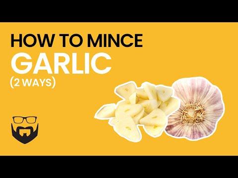 How to Mince Garlic (2 Ways)