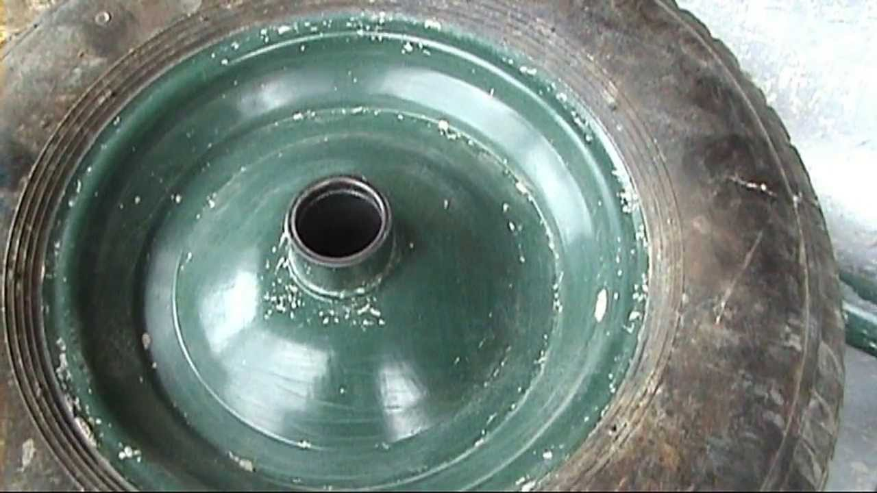 Как быстро отремонтировать колесо от садовой тачки - YouTube
