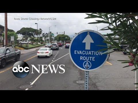 Hurricane Lane lashes away at Hawaiian Islands