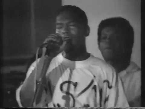 Olombelo Ricky - Ny Teny (Live)
