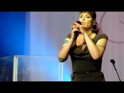 Beth Hart - Somethings Got A Hold On Me @ Bluesfest 2014