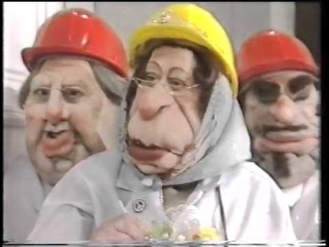 Spitting Image: Queen Toilet Factory Visit