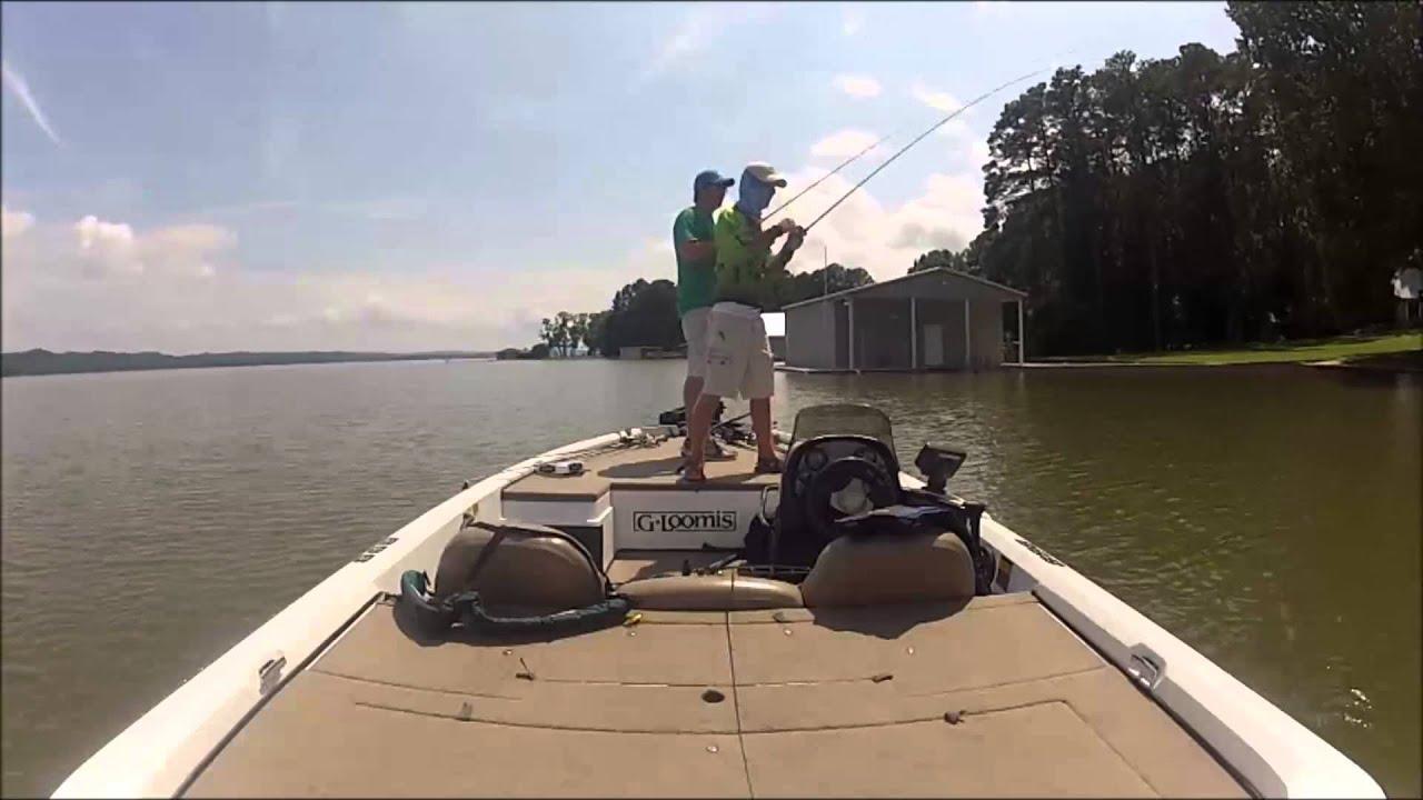 Bass fishing lake guntersville day 1 youtube for Fishing lake guntersville
