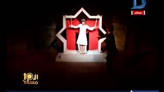 العاشرة مساء | جلد حقيقي للفنانة سماح حمدي خلال عرض مسرحي يجسد العنف ضد المرأة