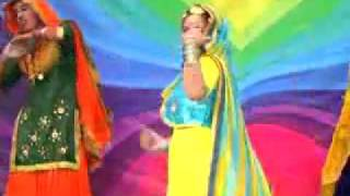 new punjabi video song jan 2011   Gidhe vich nachan ----- ramanjeet kaur by www.searchyet.com