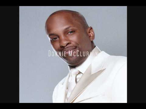 Donnie McClurkin sings
