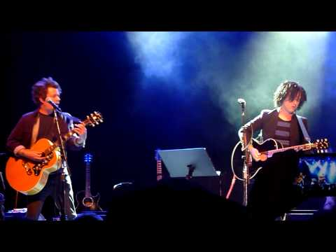 "Billie Joe Armstrong performs ""Holiday"" @ Acoustic-4-A-Cure @ the Fillmore 5/15/2014"
