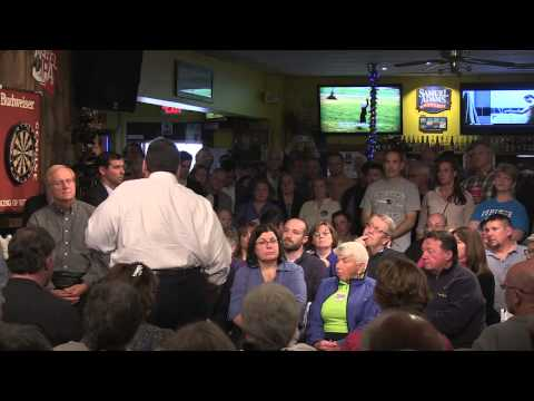 Chris Christie debates social security overhaul with a New Hampshire heckler