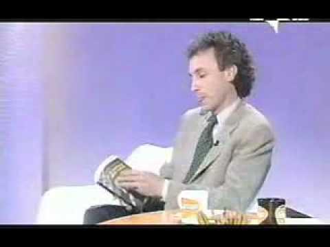 Luttazzi interviews Travaglio on Berlusconi's unanswered questions  - 2001 (Part 2, subtitles)
