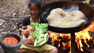 Yummy Cook Chicken thighs with Cucumbers and Salads vs Chili sauce  Survival skills Anywhere Ep 100