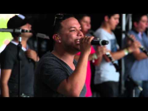 NO DEJES QUE / La Original Banda el Limón (en Vivo desde Acapulco)