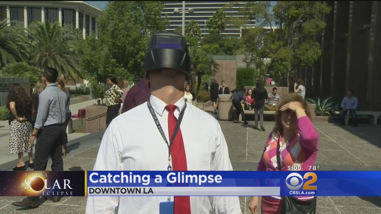 work in downtown la comes to a halt for eclipse youtube