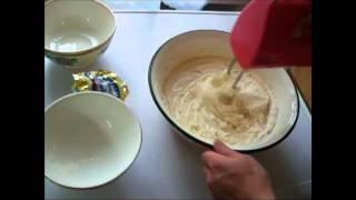 Простой яблочный пирог на скорую руку(Простой и вкусный яблочный пирог, видео рецепт быстрого приготовления, http://elenka2012.com/recepti/vkusnyiy-pirog-s-yablokami.html..., 2012-09-30T19:22:32.000Z)