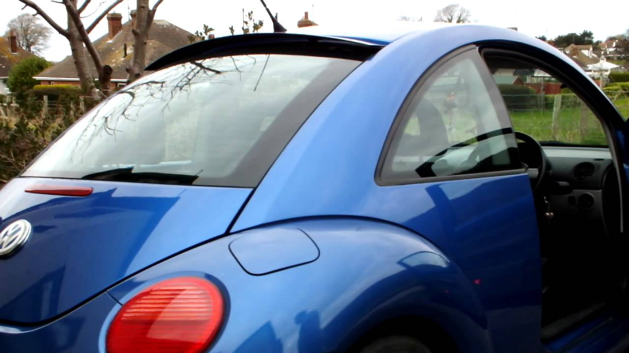 Rear Window Hidden Roof Spoiler on a 2002 Volkswagon