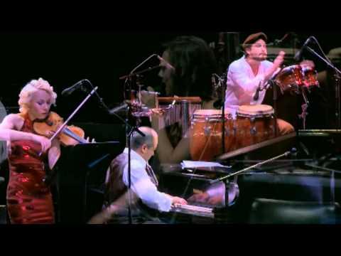 Moliendo Café de Hugo Blanco - CLASSICO LATINO & Friends (Live concert in Bogotá)