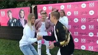 Lisa and Lena Doing a Handshake With Marcus and Martinus !!