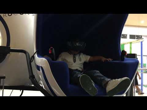 Alfonso and Sophie's first Virtual Reality Experience