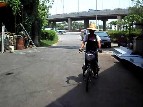 จักรยานไฟฟ้า 3 ล้อ.AVI