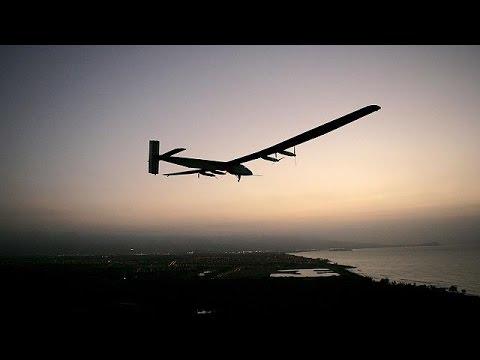 El Solar Impulse II completa con éxito un vuelo de prueba en Hawái
