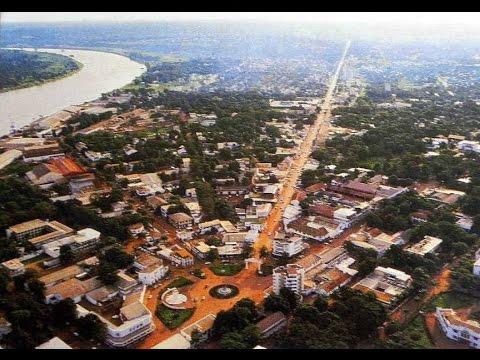 Bangui iyinhloko-dolobha nedolobha elikhulu kunawo wonke Central African Republic, Ubangi River