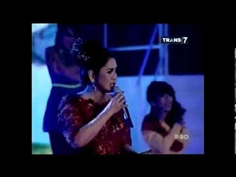 Vina Panduwinata - Di Dadaku Ada Kamu (Live)