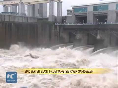 Epic water blast from Yangtze River sand-wash