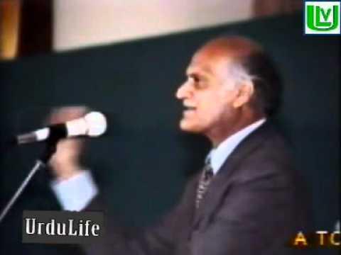 Anwar Masood , famous Urdu/Punjabi Poet from Pakistan [Mehfil e mushaira]
