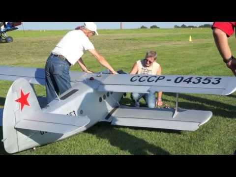 Airlebnisstage 2013 Antonov AN2 RC Modell, Görlitz - YouTube