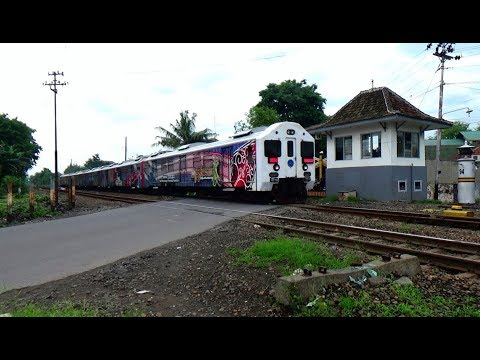 Jam Sibuk Kota Solo 13 Kereta Api Melintas Selama 115 Menit