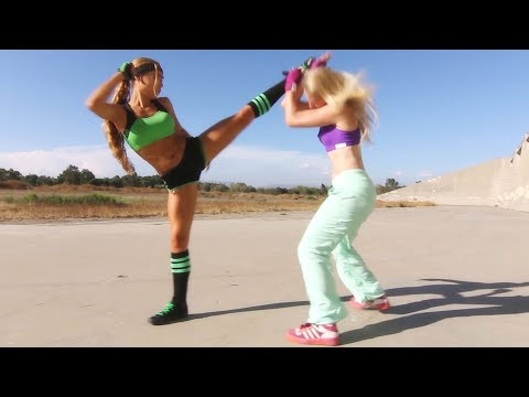 Kung Fu Girl Vs Boxer Girl Fight Scene (Tekken / Dead Or Alive Style)