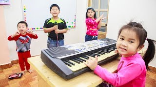 Kids Go To School | Chuns And Best Friend Learn Music Bicycle Repairer