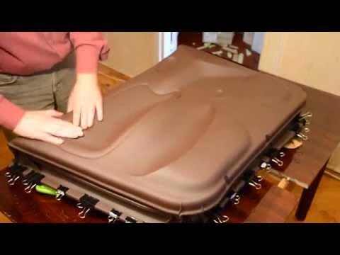 видео: Обтяжка карты двери кожзамом с помощью вакуума
