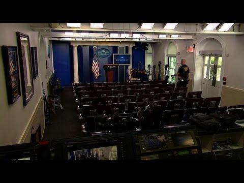 Evacuan sala de prensa de la Casa Blanca