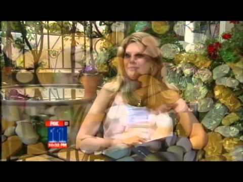 Kristen Johnston talks sobriety with Courtney Friel