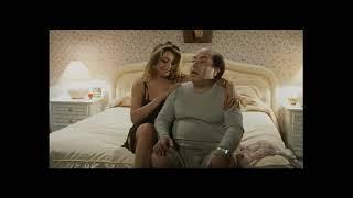 LINO BANFI AL BAR DELLO SPORT - SCENA SEXY CON MARA VENIER