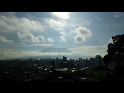Volcano Sakurajima's Top Floating on Clouds (2015/07/24 07:38) SW'ly 6m, Sunny