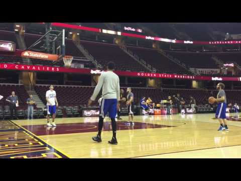 Shaun Livingston splashing midrange jumpers, Warriors practice, day before NBA Finals Game 6