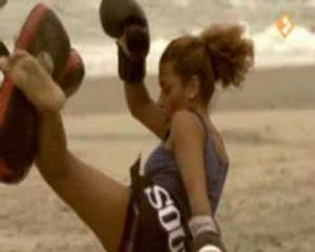 Het sterkste meisje van de wereld youtube - Basket thuis van de wereld ...